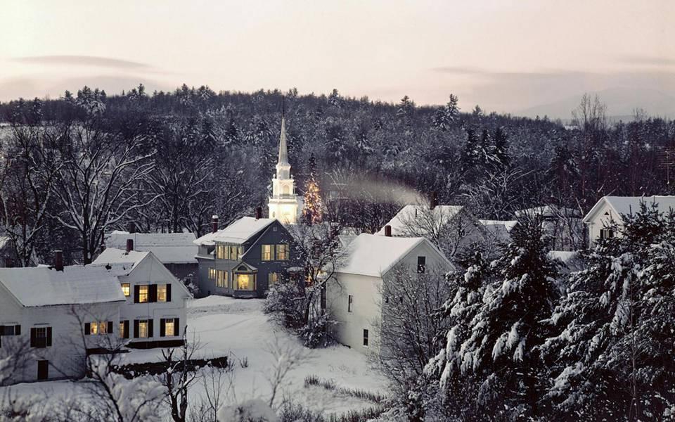 真っ白な雪景色に染まった冬の写真壁紙画像