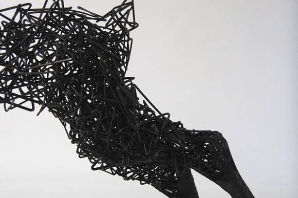 鹿がッ!ほどけていくッ!!ワイヤーを使った超シュールなアート作品 - 04
