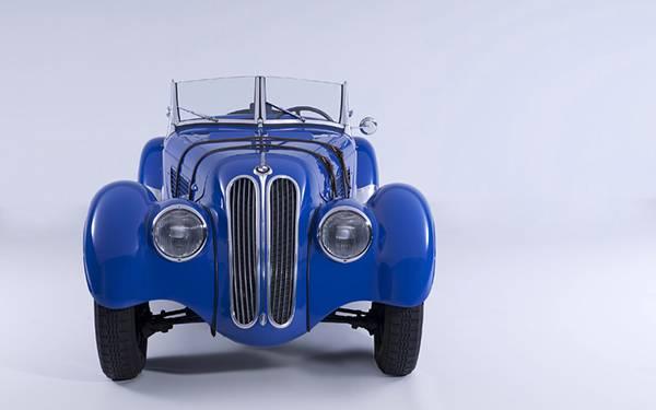 11.BMWの青いクラシックカーを撮影したおしゃれな写真壁紙画像