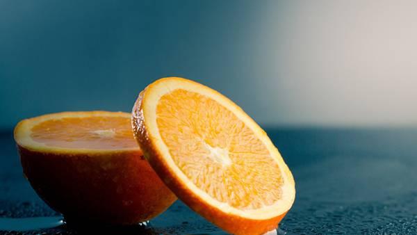 10.輪切りのオレンジを撮影した綺麗な写真壁紙画像
