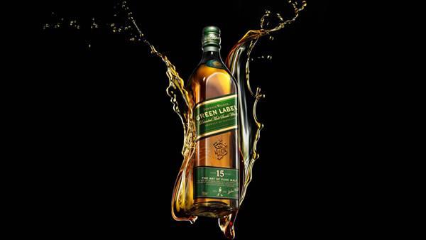 06.ジョニー・ウォーカー グリーンラベルのボトルを撮影したクールな写真壁紙画像