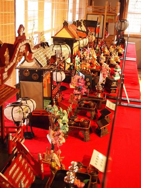 様々な種類の雛人形を撮影した綺麗なフリー写真素材