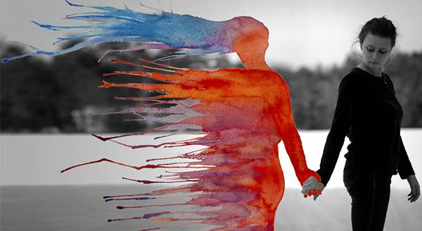飛び散る水彩塗料が作り出すシュールな世界!美しいセルフポートレート写真作品 - 05