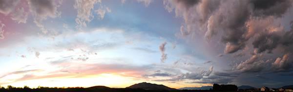11.分厚い雲と夕日の空を撮影した美しい写真壁紙画像