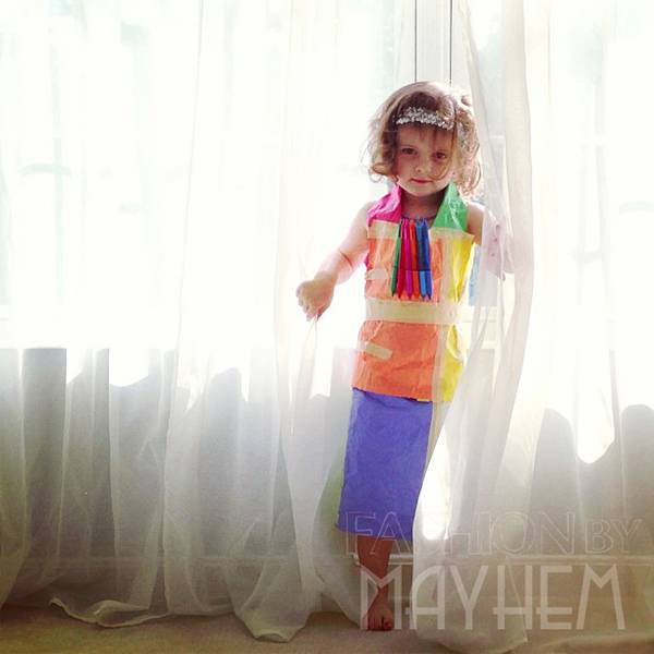 これは可愛い!Mayhem ちゃんの紙のドレスのファッションショー - 07