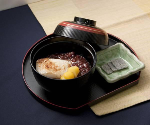 和菓子の栗ぜんざいを撮影したフリー写真素材