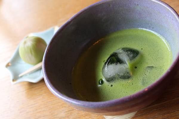 抹茶と和菓子を撮影したフリー写真素材