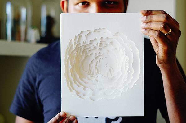 幾層にも切り出した紙に光を当てて作り出す、幻想的なペーパーアート作品 - 06