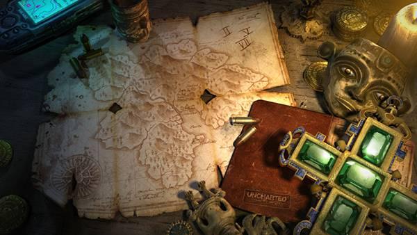 12.アンティークな地図や宝石と弾丸を撮影した写真壁紙画像