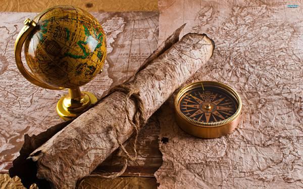 05.古めかしい地球儀や地図やコンパスを撮影した写真壁紙画像