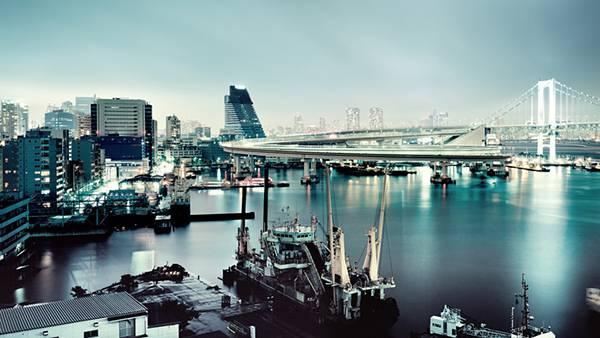 02.レインボーブリッジを望む港を撮影したカッコイイ写真壁紙画像