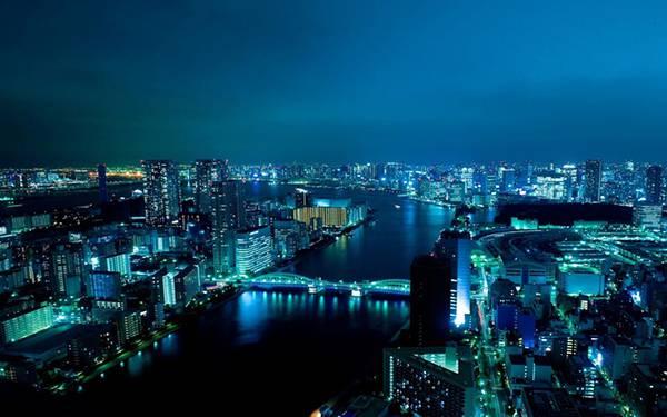 06.綺麗なブルーの東京の夜景を撮影した写真壁紙画像