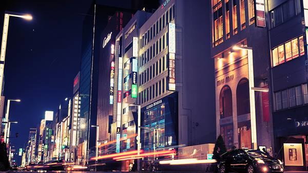 08.夜の銀座の大通りを撮影した綺羅びやかな写真壁紙画像