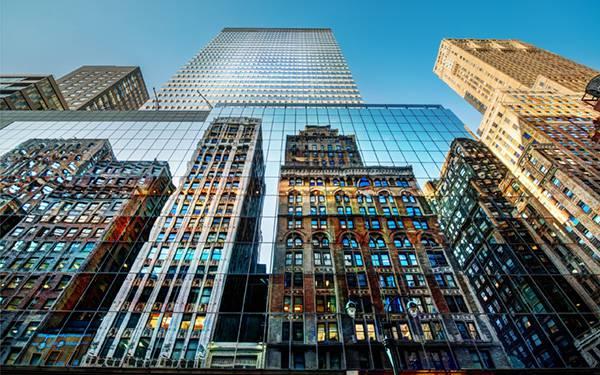 02.ビルに映る建物を撮影したカッコイイHDR写真壁紙画像