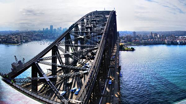 04.シドニー・ハーバーブリッジを迫力の構図で撮影した写真壁紙画像