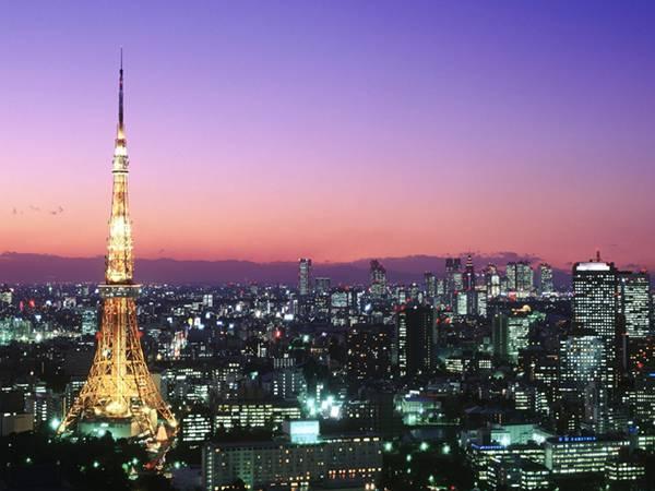 07.夕暮れ時の東京タワーを撮影した美しい写真壁紙画像