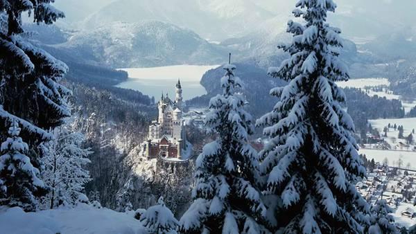 06.雪の中の古城を撮影した美しい写真壁紙画像