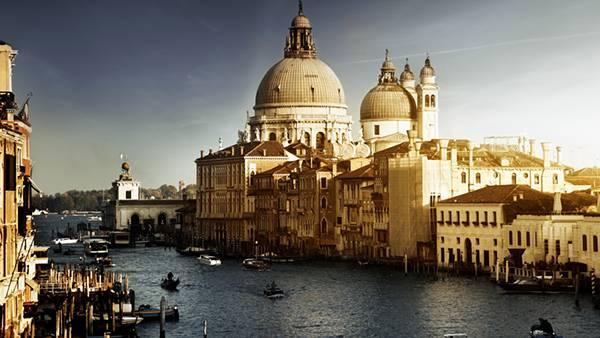 02.イタリアのサン・ピエトロ大聖堂のある風景を撮影した写真壁紙画像