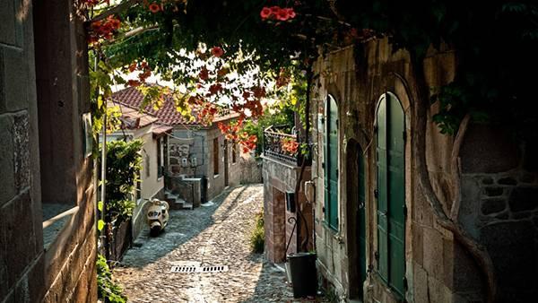 12.イタリアの小道を撮影した綺麗な写真壁紙画像