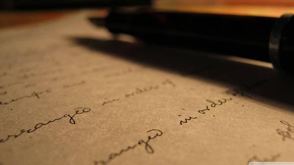 03.ペンで書いた手紙の文字をアップで撮影したオシャレな写真壁紙画像