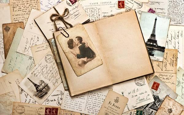 10.古い手紙や手帳と写真のレトロでお洒落な写真壁紙画像