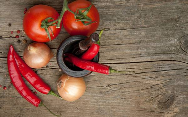 11.トマトや唐辛子と玉ねぎを撮影した写真壁紙画像