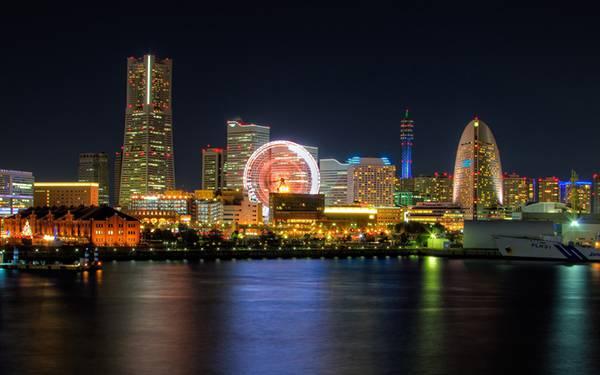 12.夜の横浜のイルミネーションを撮影した綺麗な写真壁紙画像