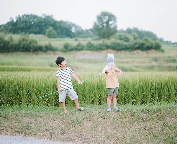 子供を見守る親の目線でファインダーを覗いた写真作品 - 02