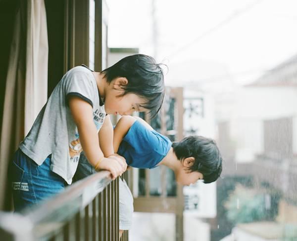 子供を見守る親の目線でファインダーを覗いた写真作品 - 04