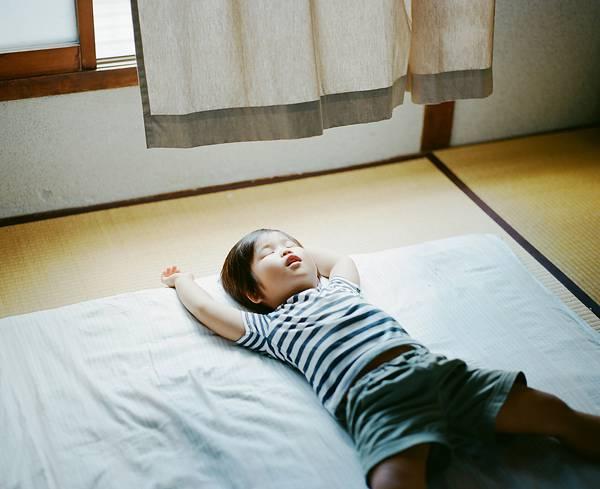 子供を見守る親の目線でファインダーを覗いた写真作品 - 12