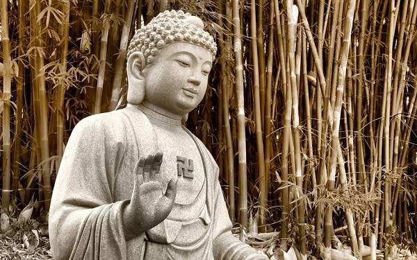 09.竹林の中の石の仏像を撮影した綺麗な写真壁紙画像
