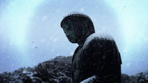 11.仏像の横顔と空を撮影したクールな写真壁紙画像