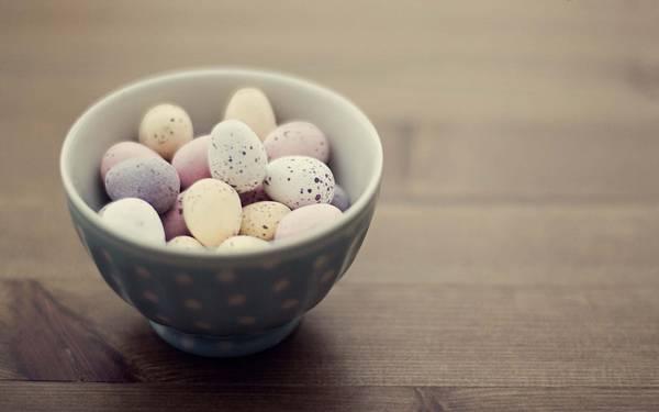 01.器にいっぱい入った卵を撮影した可愛い写真壁紙画像