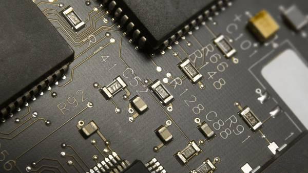 02.チップが並ぶ電子回路を撮影したかっこいい写真壁紙画像