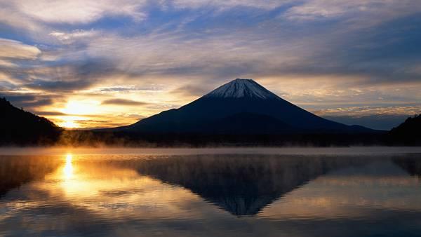 01.富士山と沈む夕日を撮影した美しい写真壁紙画像