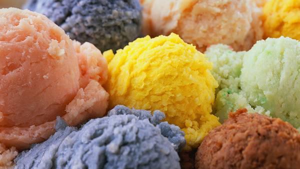 11.カラフルなアイスクリームをアップで撮影した綺麗な写真壁紙画像