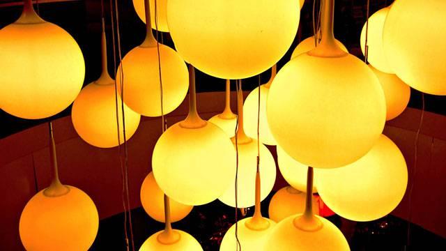 12.たくさんの丸いランプを撮影した綺麗な写真壁紙画像