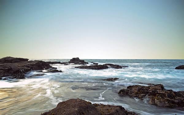06.水平線へと続く海岸の風景を撮影した美しい写真壁紙画像