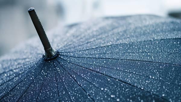 07.傘についた雨粒をアップで撮影したおしゃれな写真壁紙画像