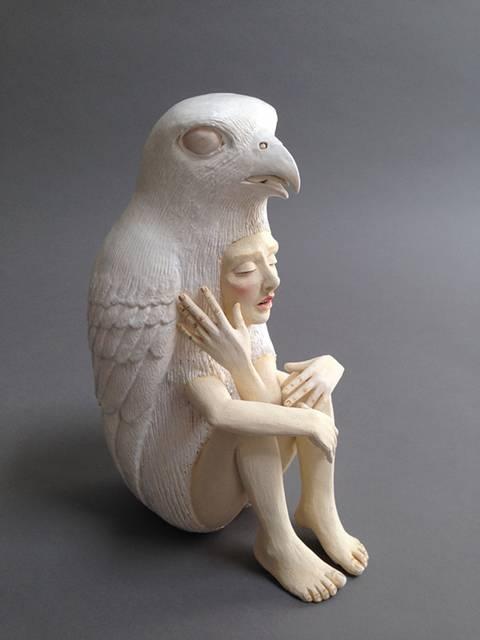 動物のきぐるみを被った人間をモチーフにした彫刻作品 - 04
