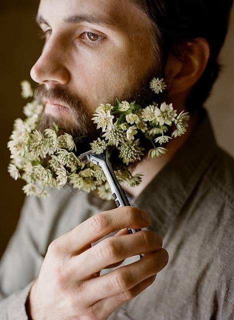 口髭を花で飾ってみた男たちの美しい写真 - 01