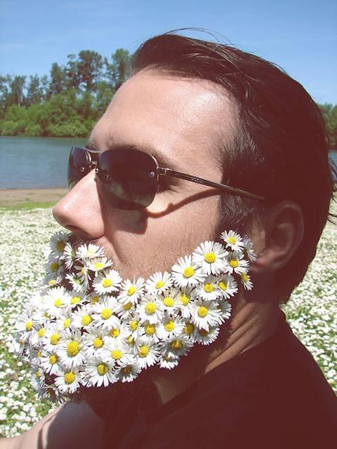 口髭を花で飾ってみた男たちの美しい写真 - 07