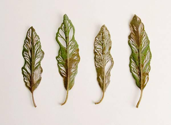 葉っぱを刺繍して作る精巧なアート作品 - 06