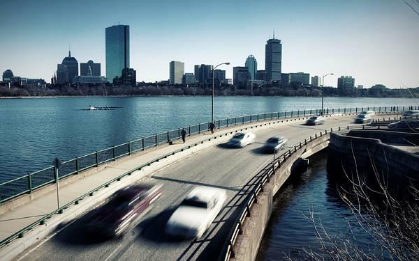 02.海上の高速道路をを撮影したかっこいい写真壁紙画像