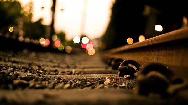 06.線路の一部をアップで撮影した綺麗な写真壁紙画像