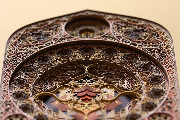 レーザーカットした紙を織り重ねた曼荼羅のようなアート作品 - 02