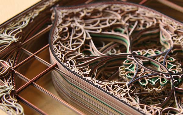 レーザーカットした紙を織り重ねた曼荼羅のようなアート作品 - 05