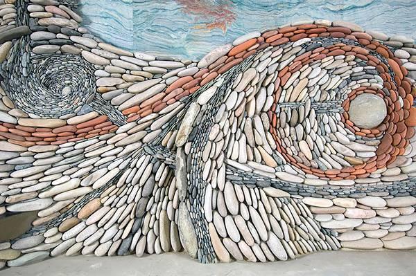 石を敷き詰めて作る美しいモザイク壁画 - 04
