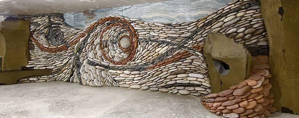 石を敷き詰めて作る美しいモザイク壁画 - 05