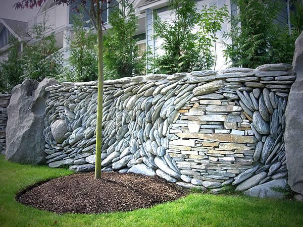 石を敷き詰めて作る美しいモザイク壁画 - 06